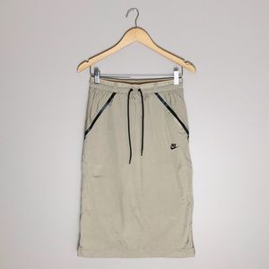 💋SALE Nike parachute athletic pencil skirt.